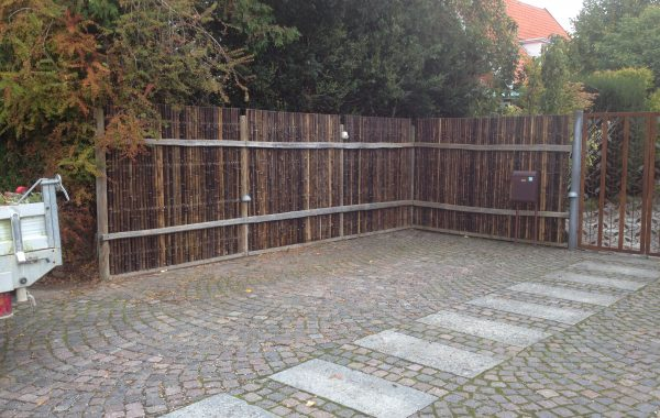 Opsat hegn i Hellerup