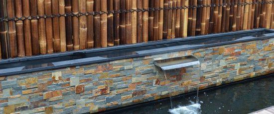 bambusvæg-halve-med-bassin-sorte.jpg