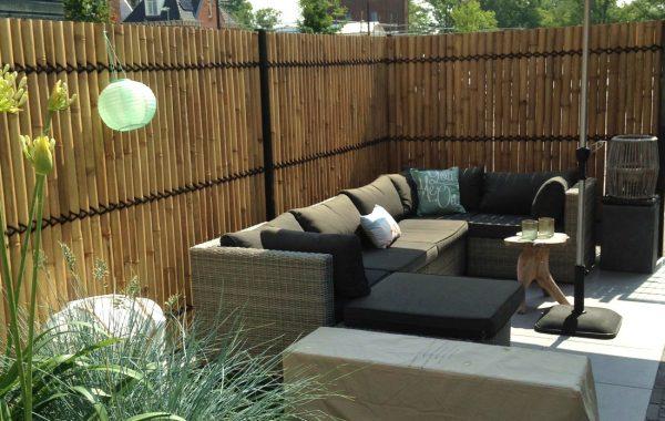 bambusvæg-halve-med-møbler.jpg
