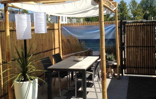 bambusvæg-halve-med-pavillon.jpg